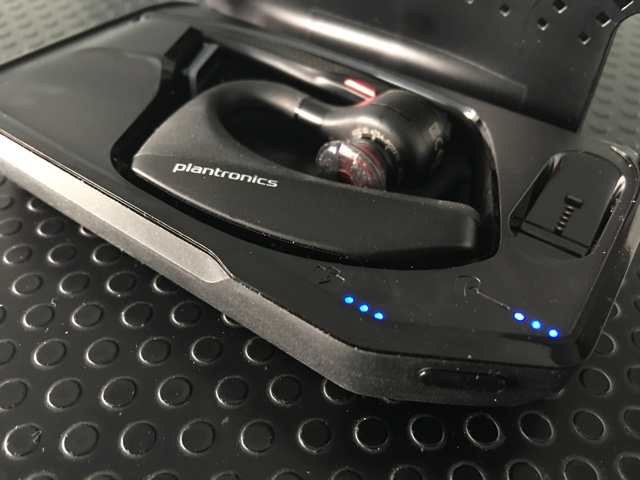vowe dot net :: Plantronics Voyager 5200 :: They hit it out