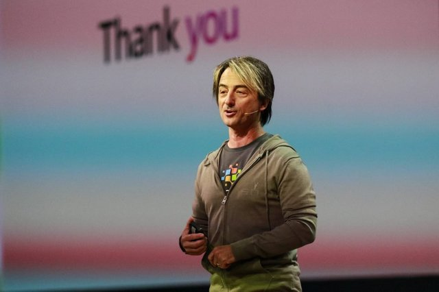 joe-belfiore-corporate-vice-president-of-windows-experience-at-build-2018 web